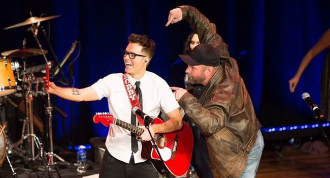Bobby Bones & Garth Brooks