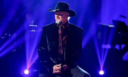 Trace Adkins to perform on 'A Home for the Holidays'