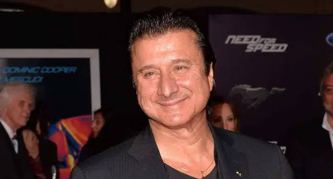 Report: Steve Perry reunites with Journey at Rock Hall Induction - The Music Universe
