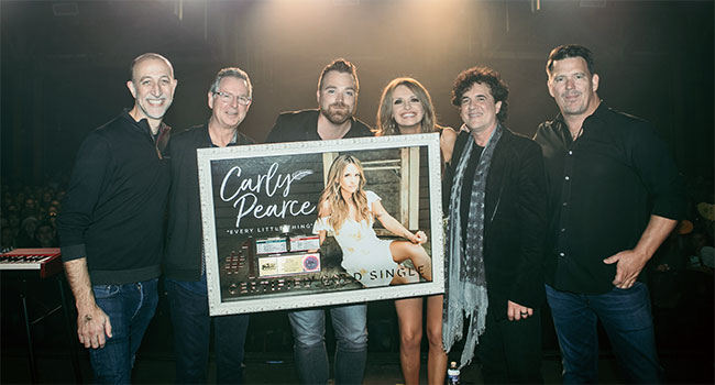 Carly Pearce celebrates momentum breakthrough year