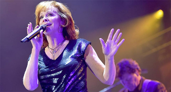 Reba McEntire performs at Country RIsing