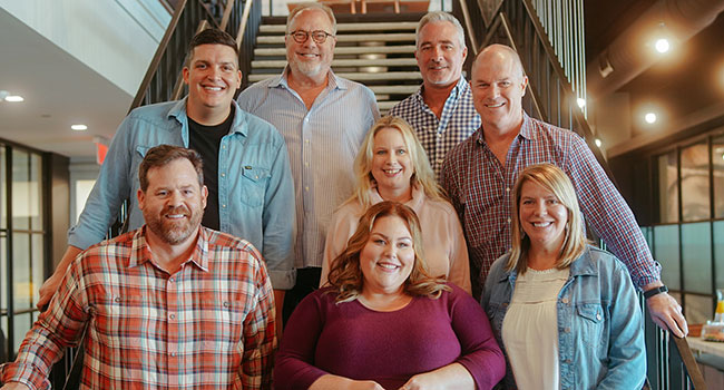 Chrissy Metz signs with UMG Nashville