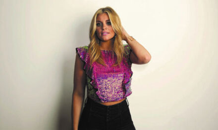 Lauren Alaina is not waiting around for anyone else