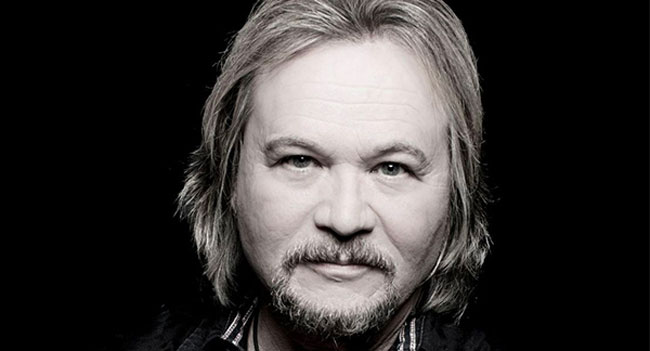 Travis Tritt releases 'Ghost Town Nation'