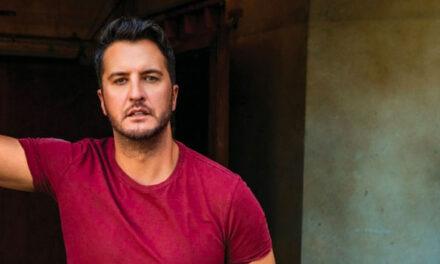Luke Bryan premieres 'Down To One' video