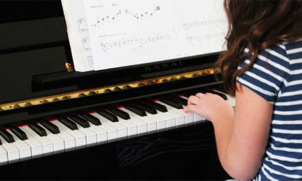 Effective tips to easily learn how to play piano